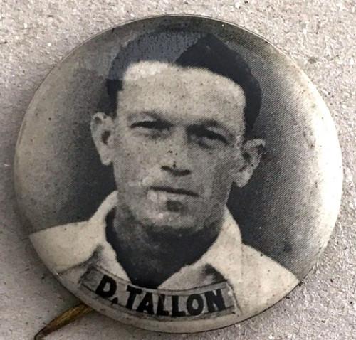 1940s Vintage D TALLON Australian Cricketers Tin Badge