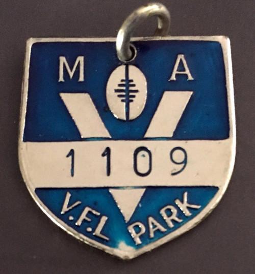 VFL PARK MENS MEMBER MEDALLION 1982 SEASON