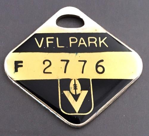 VFL PARK FEMALE MEMBER MEDALLION 1985 SEASON