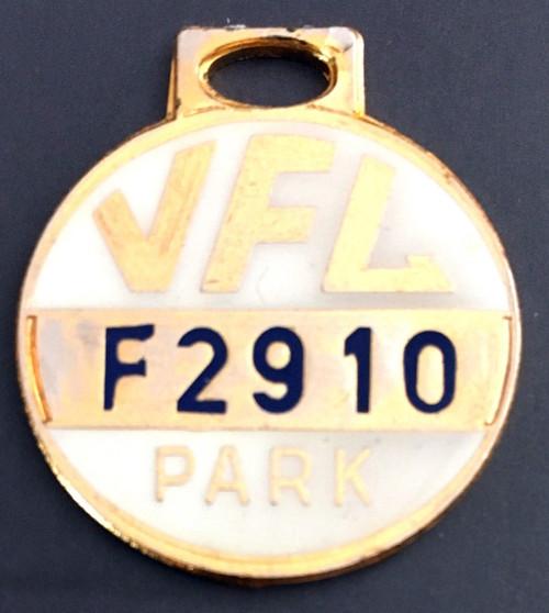 VFL PARK FEMALE MEMBER MEDALLION 1973 SEASON