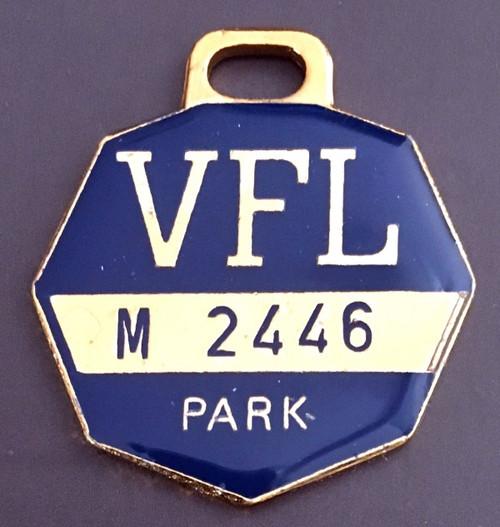 VFL PARK MENS MEMBER MEDALLION 1976 SEASON