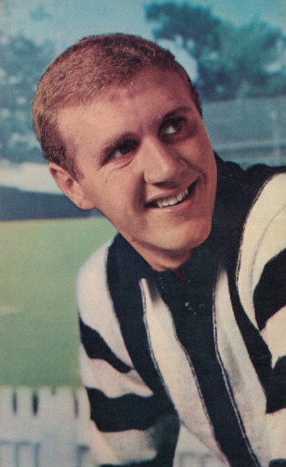 1964 Mobil Football Photos Card TERRY WATERS Collingwood Magpies