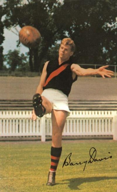 1965 Mobil Football Photos Card BARRY DAVIS Eseendon Bombers