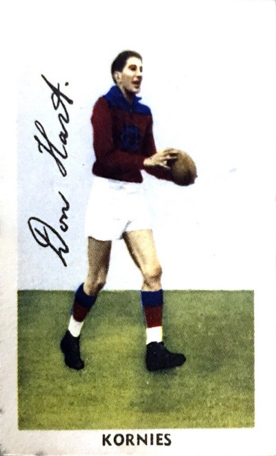 1951 Kornies Footballers In Action Fitzroy Lions D HART card