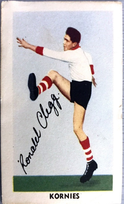 1953 Kornies Footballers in Action South Melbourne Swans R CLEGG Card