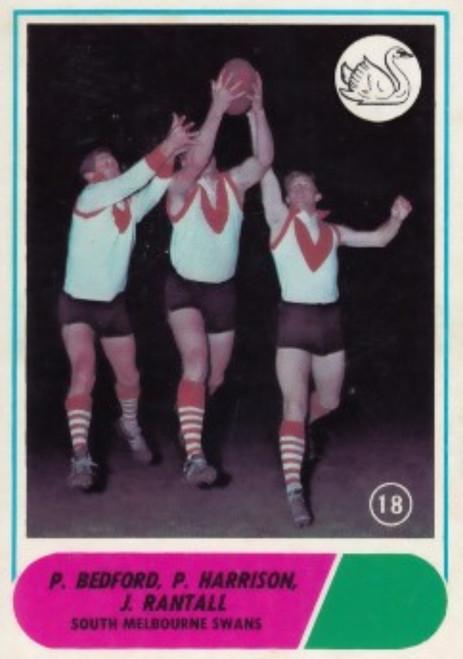 1969 VFL Scanlens #18 SOUTH MELBOURNE SWANS Team Card