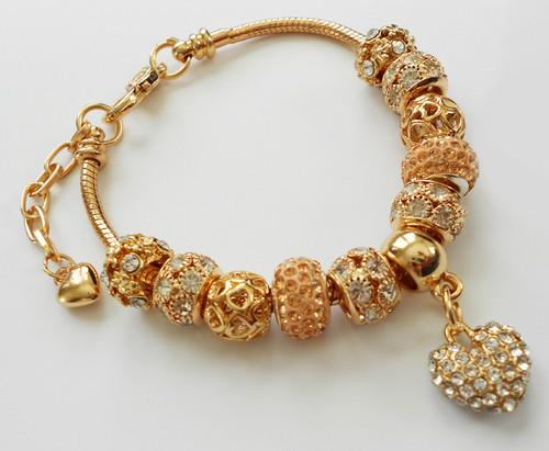 High quality Bracelet for women.