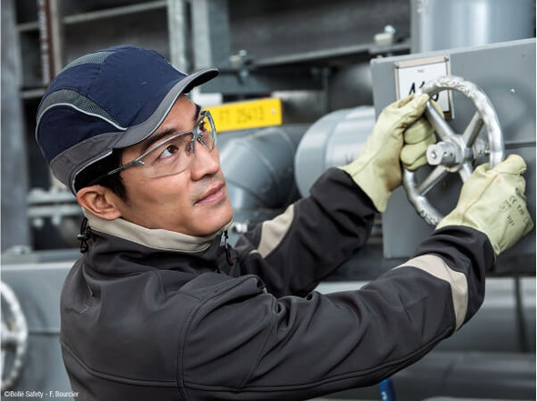Worker Wearing Bolle Silium Safety Glasses