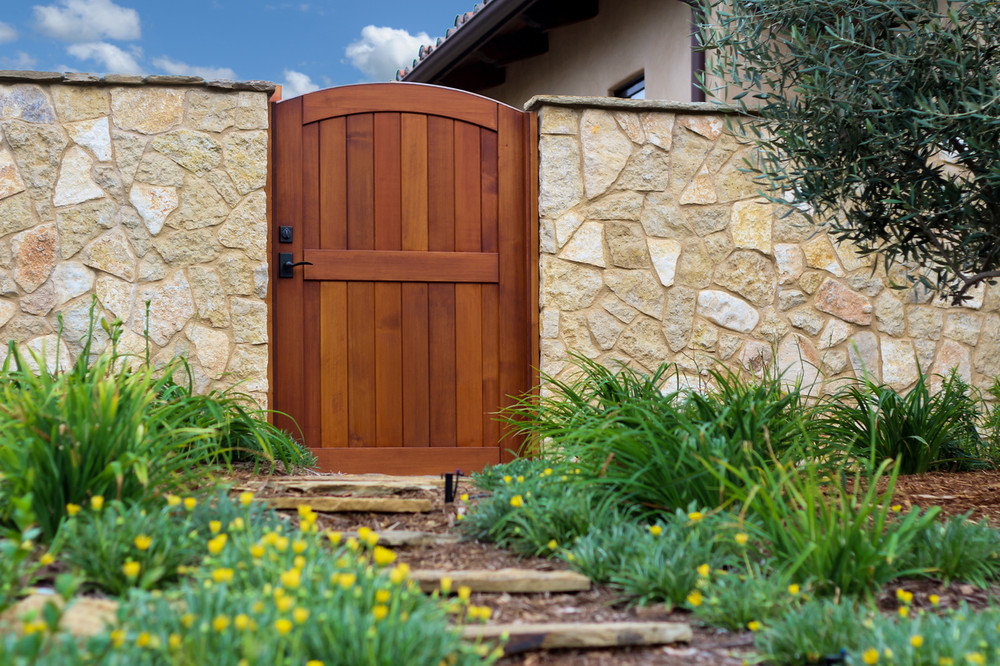 Select Easy-Install Signature Wood Gate