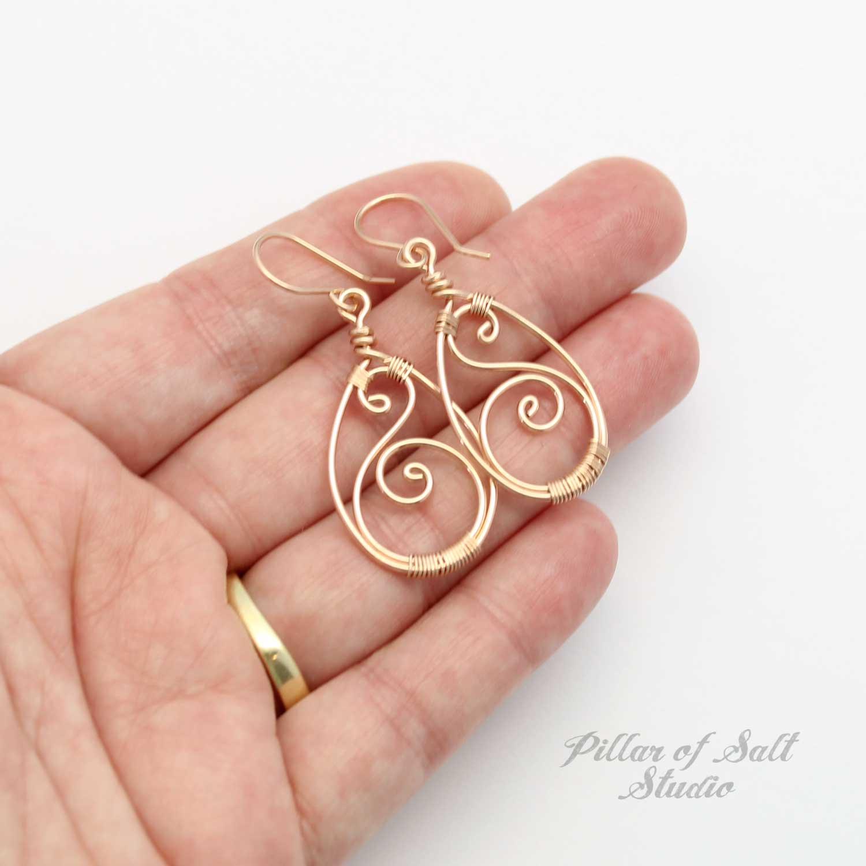 Rose Gold Curvy Teardrop Earrings