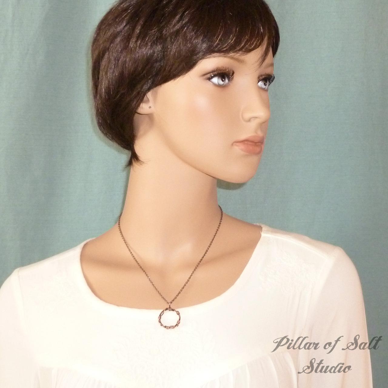Unisex copper circle necklace
