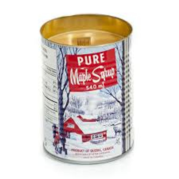 Maple-Scented Candle With Wood Wick