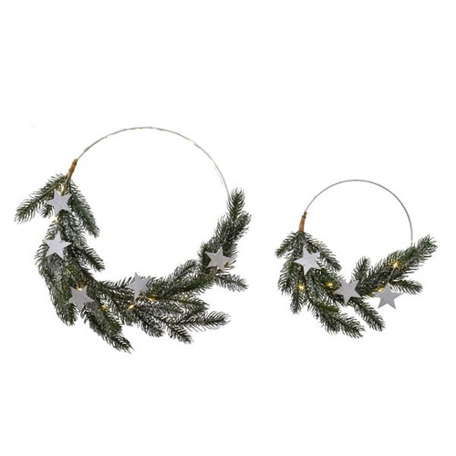 A stunning circular wooden decoration with fir branches, mini stars and pinecones and 10 micro LED lights. In two different sizes.