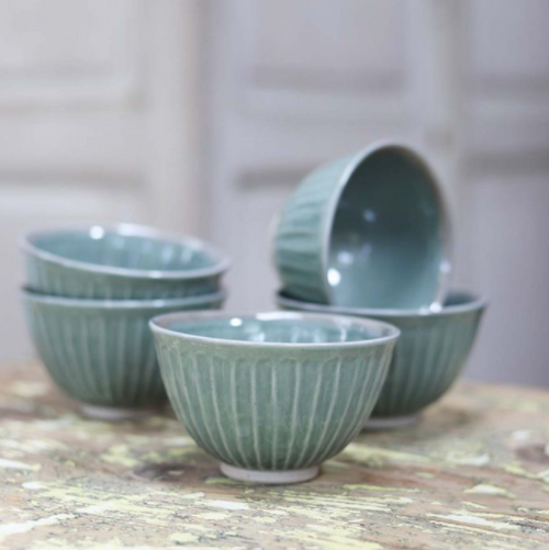 blue ribbed ceramic bowls will grace any table, or eating area. These items are hand finished. Colour discrepancies are to be expected and only add to their unique nature.