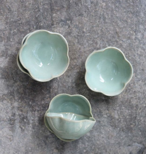 ceramic blue/green scalloped bowls will grace any table, or eating area These items are hand finished. Colour discrepancies are to be expected and only add to their unique nature.