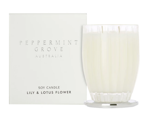 A fragrant soy candle in the scent lily and lotus flower