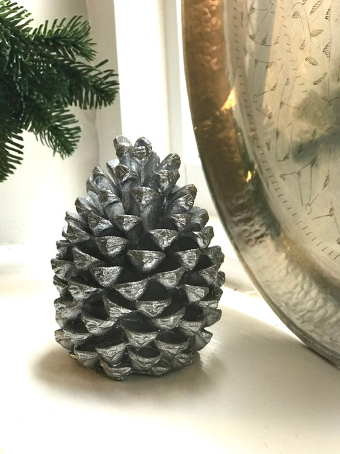 pinecone candle in silver