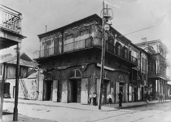 The Old Absinthe House in New Orleans