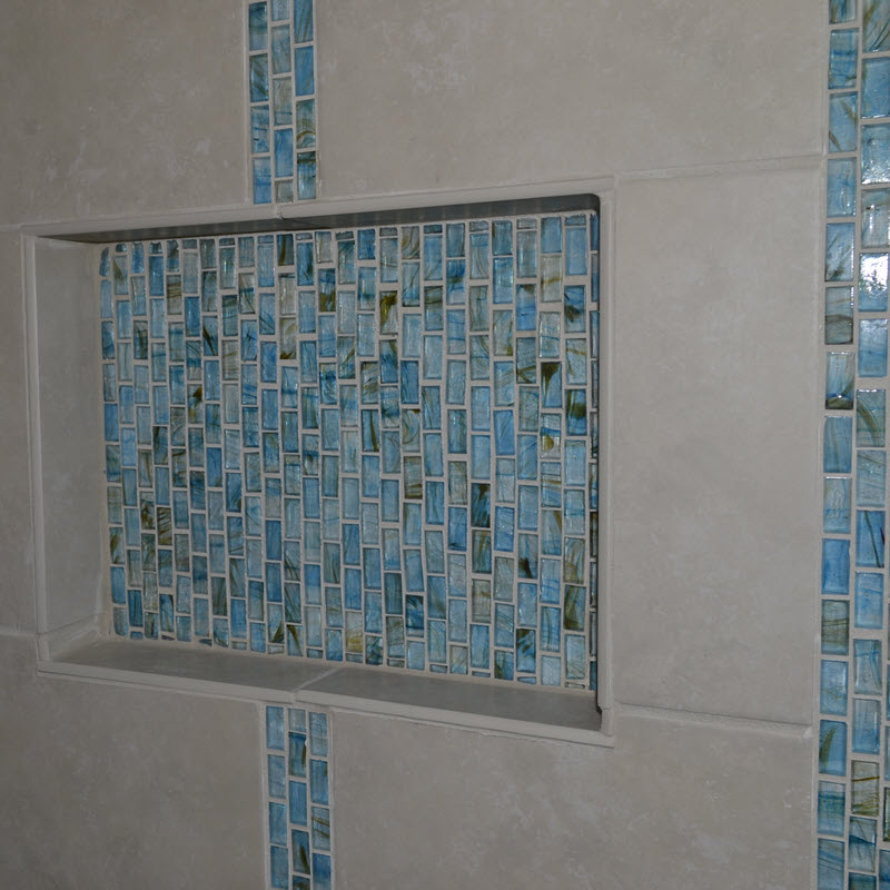 Coordinate the Niche With Your Mosaic Band