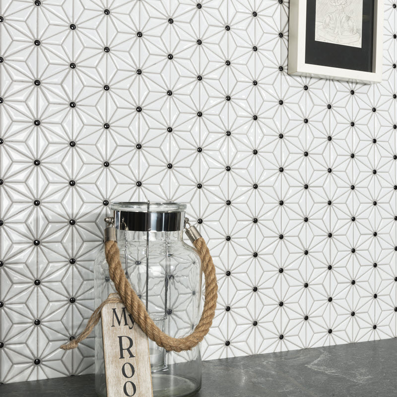 Ceramic star with black circle mosaic