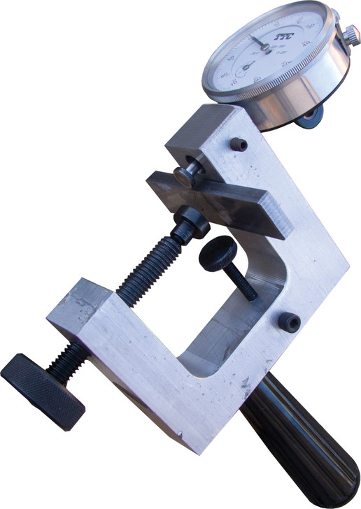 Hand held bandsaw blade tooth set checker