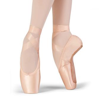Bloch Grace pointe shoes.