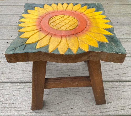 Colorful Painted Yellow Sunflower Wood Step Stool Hand Carved Solid Acacia Sturdy Wood Stool For Children or Adults 10x10.5x10