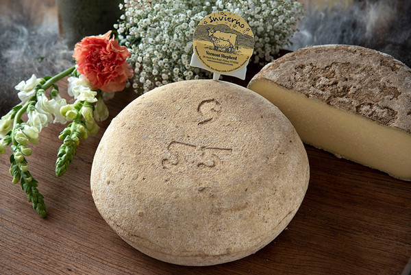 Invierno (Winter Cheese), Whole Wheel