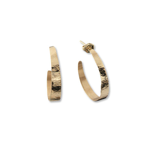 14kt Hand Forged Hoop Earrings reflects beam of light