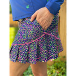 Birdies & Bows Slice it Right II Jungle Green Golf Skort is figure flattering with all over print is sure to be a hit on the course! With so many colors you can choose to wear an assortment of our different color tops to coordinate. Match for a team look or wear a different color to set you apart.