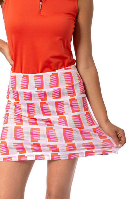 Shades of orange, light pink, hot pink, khaki and white bring this pull-on golf skort together. A fun and flirty print that will receive compliments left and right.