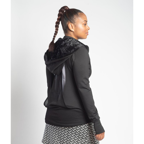 X-Long sleeves with thumbhole to keep hands warm.