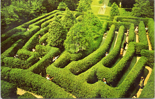 The Governor's Palace Maze