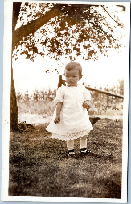 Photo postcard little girl in white dress circa 1904-1918