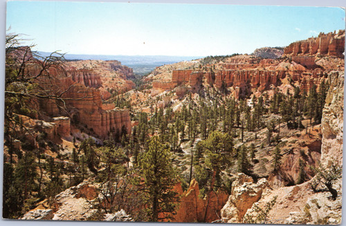 Trail Below Fairyland at Bryce Canyon National Park