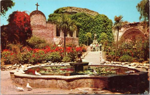 Mission San Juan Capistrano - Fountain