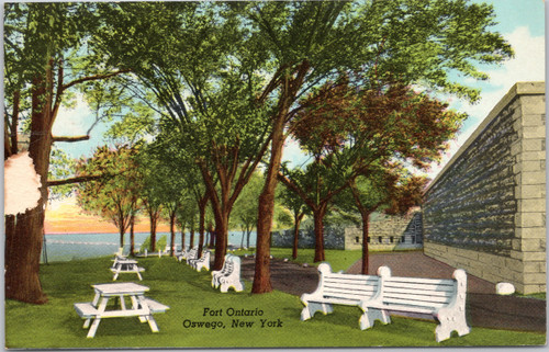 Fort Ontario - exterior picnic area