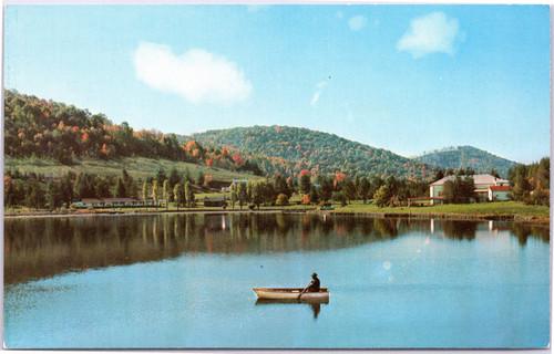Man boating at Silver Lake Park