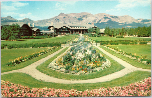 Glacier Park Lodge - view of gardens