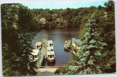 Wisconsin Dells - Upper Dells Boat Dock