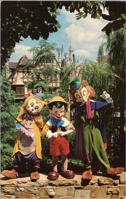 Fantasyland - Pinocchio, Foulfellow and Gideon