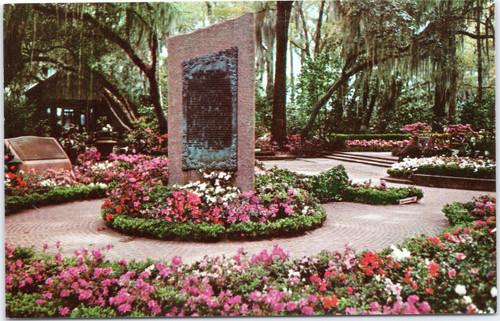 Bellingrath Gardens - Live Oak Plaza