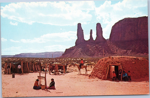 Monument Valley - Three Sisters - with Navajo family