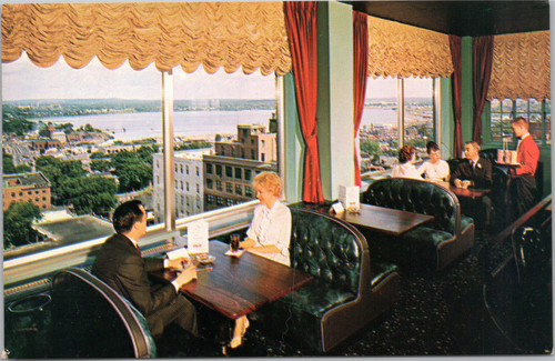 Eastland Motor Hotel - Top of the East lounge