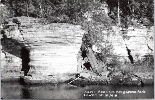 Wisconsin Dells Pulpit Rock and Baby Grand Piano