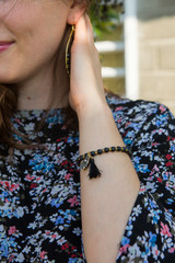 elastic black beaded bracelet  | Fair Anita