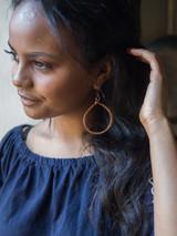 Hammered copper hoop earrings | Fair Anita