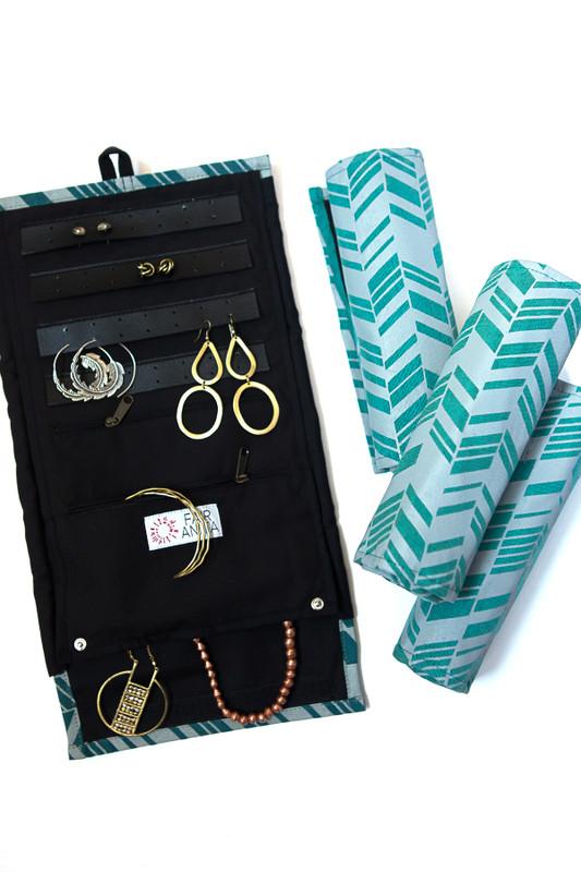 Wayfarer Jewelry Roll Travel Case - Chevron