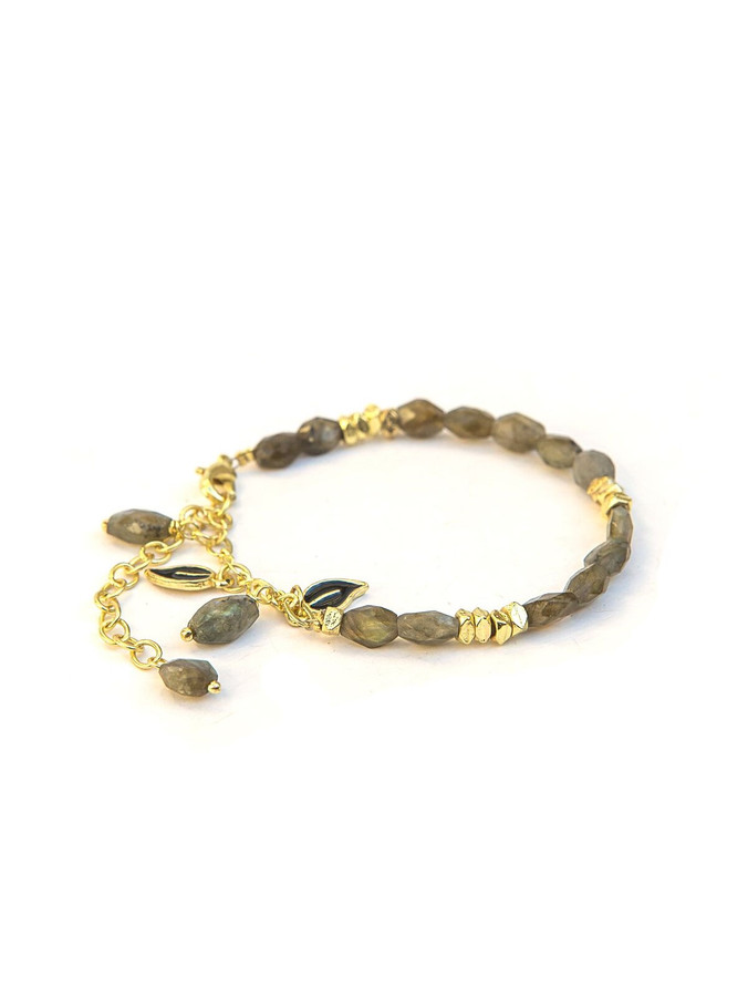 Stone and brass adjustable bracelet | Fair Anita