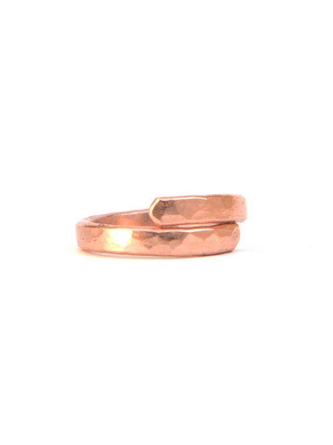 trendy hammered ring in copper | Fair Anita
